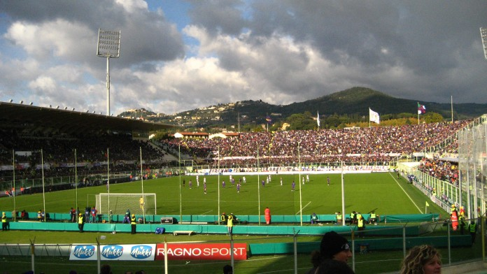 Stadio Franchi di Firenze, casa della Fiorentina, fonte By lauren - originally posted to Flickr as futbol, CC BY 2.0, https://commons.wikimedia.org/w/index.php?curid=6511554
