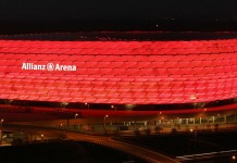 Allianz Arena, stadio del Bayern Monaco, fonte Di Richard Bartz, Munich aka Makro Freak - Opera propria, CC BY-SA 2.5, https://commons.wikimedia.org/w/index.php?curid=3687549