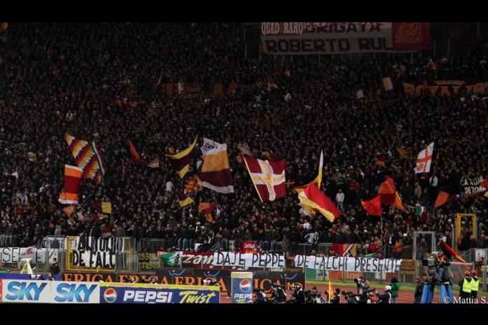 Curva Sud dell'AS Roma, Stadio Olimpico. Fonte: Flickr