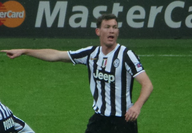 Stephan Lichtsteiner fonte foto: Di Ultraslansi - Opera propria, CC BY-SA 3.0, https://commons.wikimedia.org/w/index.php?curid=30097002