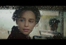 Emilia Clarke in Voice from the Stone, fonte screenshot youtube