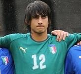 Mattia Perin, fonte By Паршин Дмитрий - http://www.soccer.ru/gallery2.php?id=23781, CC BY-SA 3.0, https://commons.wikimedia.org/w/index.php?curid=11381961