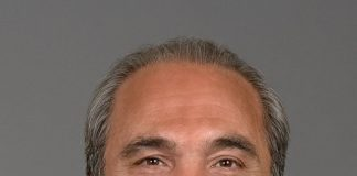 Rocco Commisso, fonte Di mediacom communications corporation - Opera propria, CC BY-SA 3.0, https://commons.wikimedia.org/w/index.php?curid=22562008