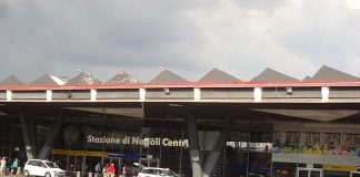 Stazione Napoli Centrale, fonte By CAPTAIN RAJU - Own work, CC BY-SA 4.0, https://commons.wikimedia.org/w/index.php?curid=73934884