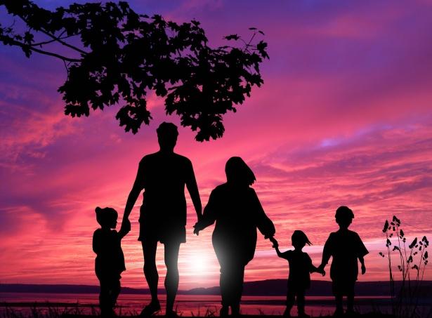 Famiglia, fonte Public Domain Pictures, contrassegnate per essere riutilizzate Google