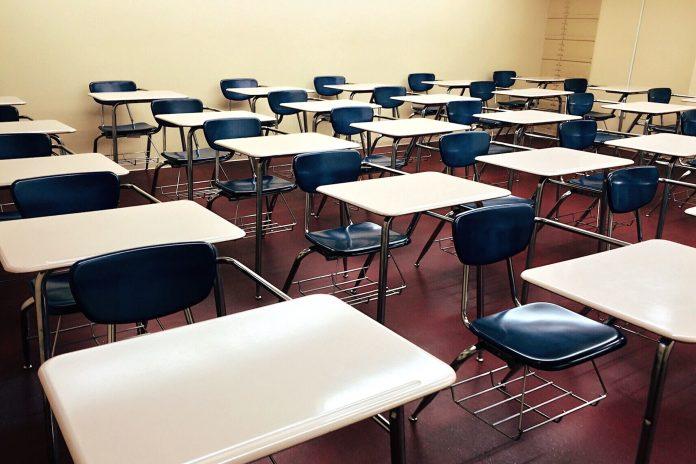 Scuole aperte il sabato e la domenica, Contagi nelle scuole, Le scuole non chiudono, Covid nelle scuole, Test rapidi nelle scuole, Primo caso positivo nelle scuole, Mascherine non necessarie